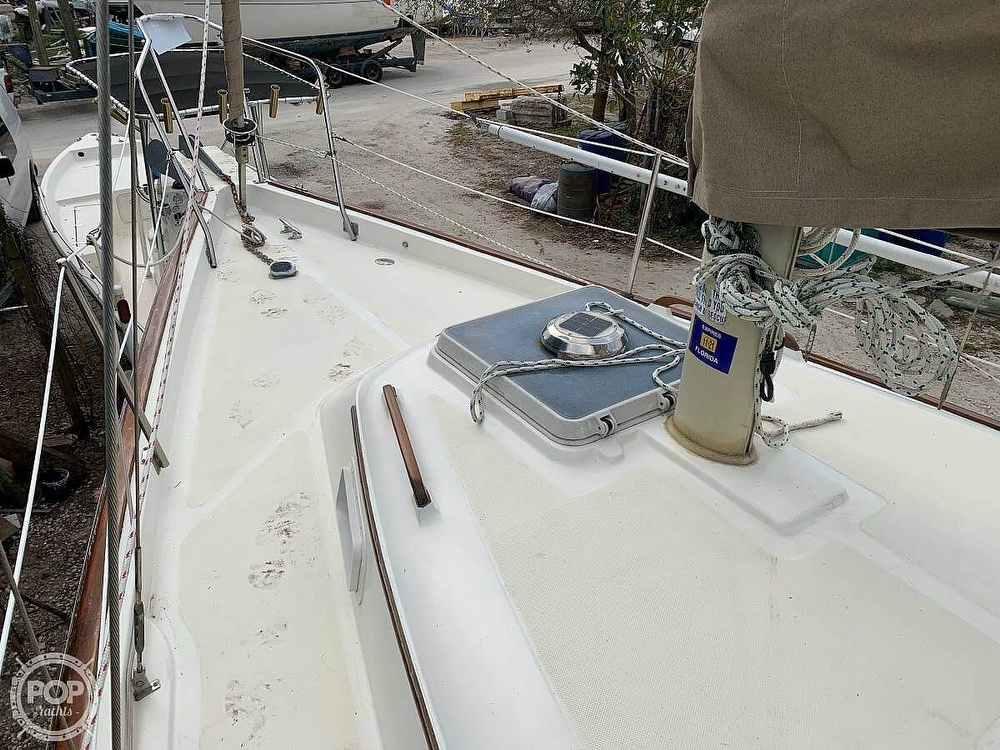 1982 Bombay Clipper boat for sale, model of the boat is 31 & Image # 21 of 24