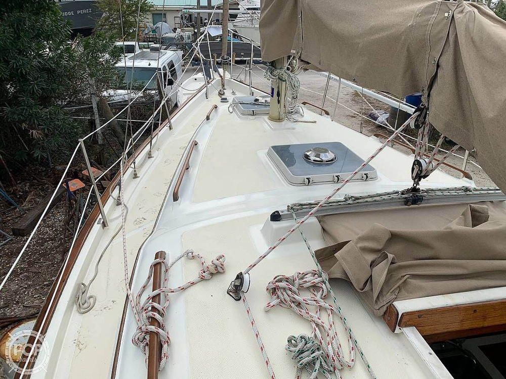 1982 Bombay Clipper boat for sale, model of the boat is 31 & Image # 23 of 24