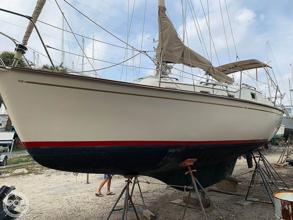 1982 Bombay Clipper boat for sale, model of the boat is 31 & Image # 2 of 24