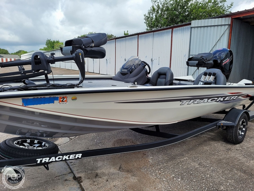 2020 Bass Tracker Pro boat for sale, model of the boat is 195 TXW Tournament Edition & Image # 5 of 40