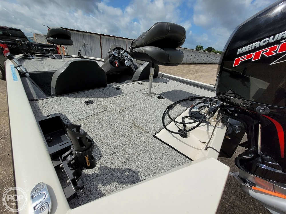 2020 Bass Tracker Pro boat for sale, model of the boat is 195 TXW Tournament Edition & Image # 6 of 40