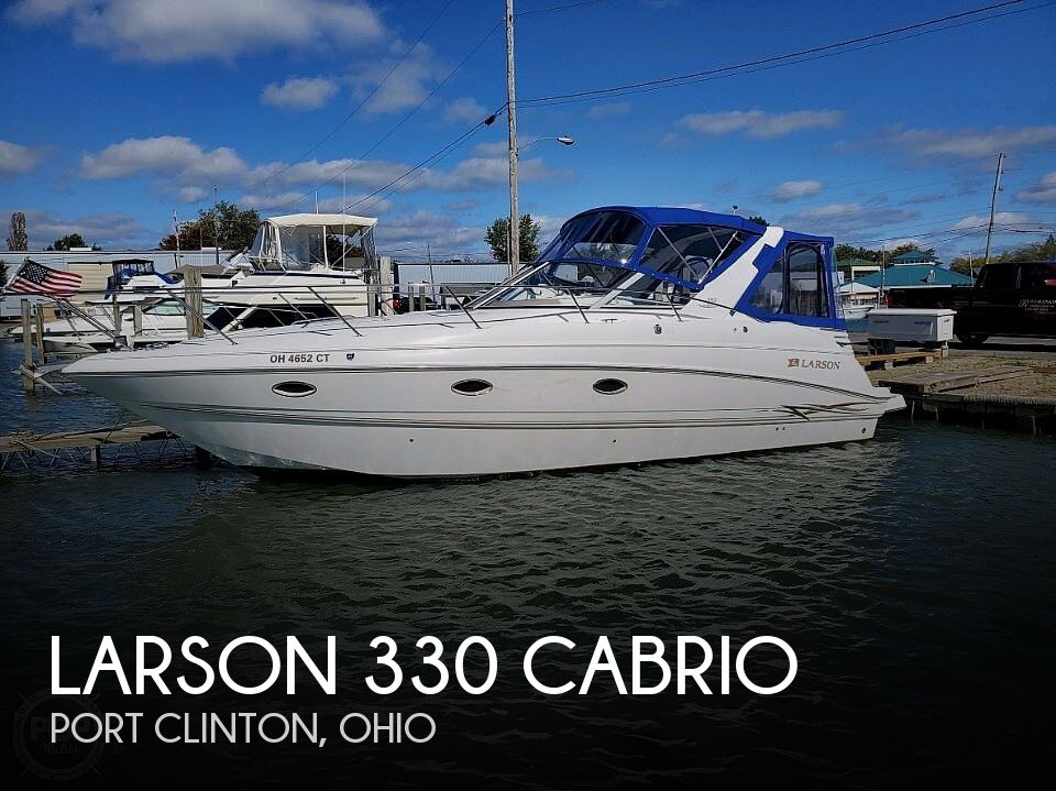 2000 Larson boat for sale, model of the boat is Cabrio 330 & Image # 1 of 40