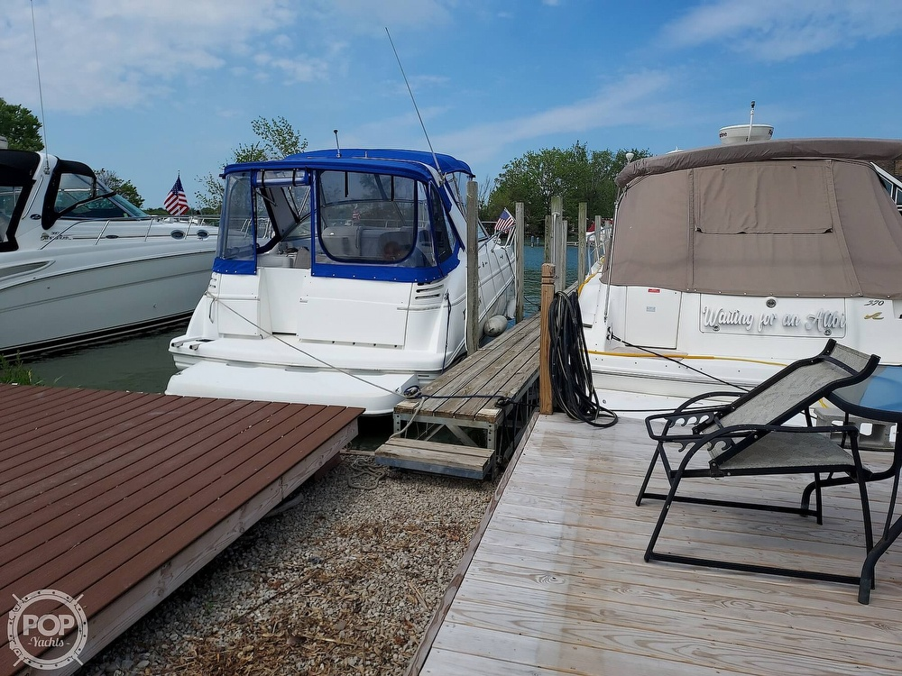 2000 Larson boat for sale, model of the boat is Cabrio 330 & Image # 3 of 40