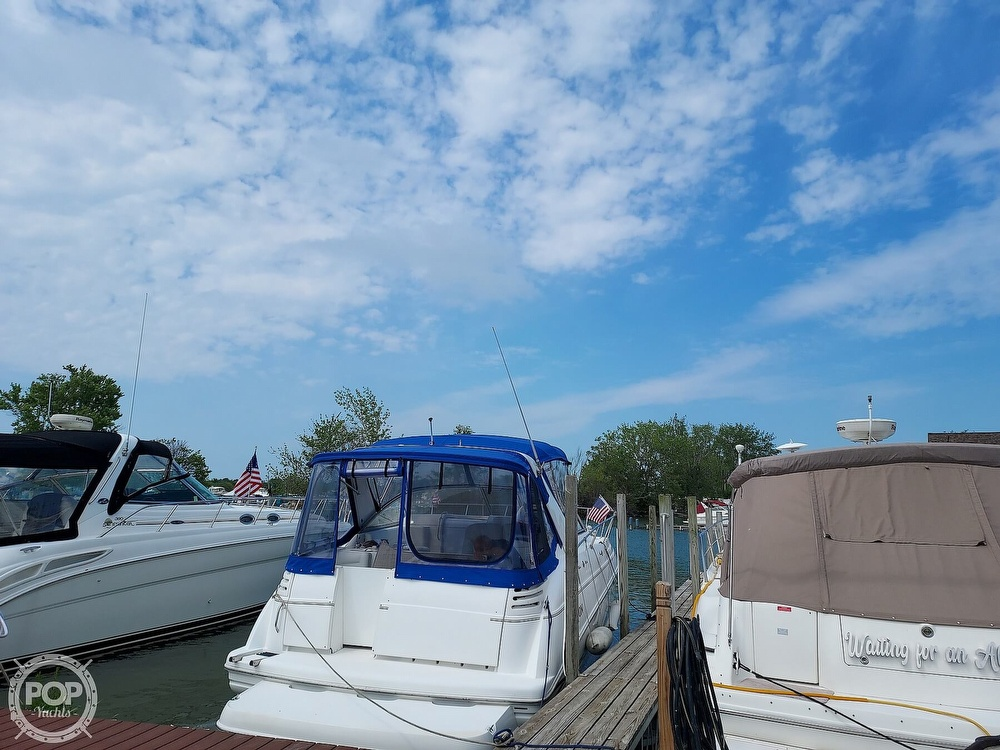 2000 Larson boat for sale, model of the boat is Cabrio 330 & Image # 5 of 40