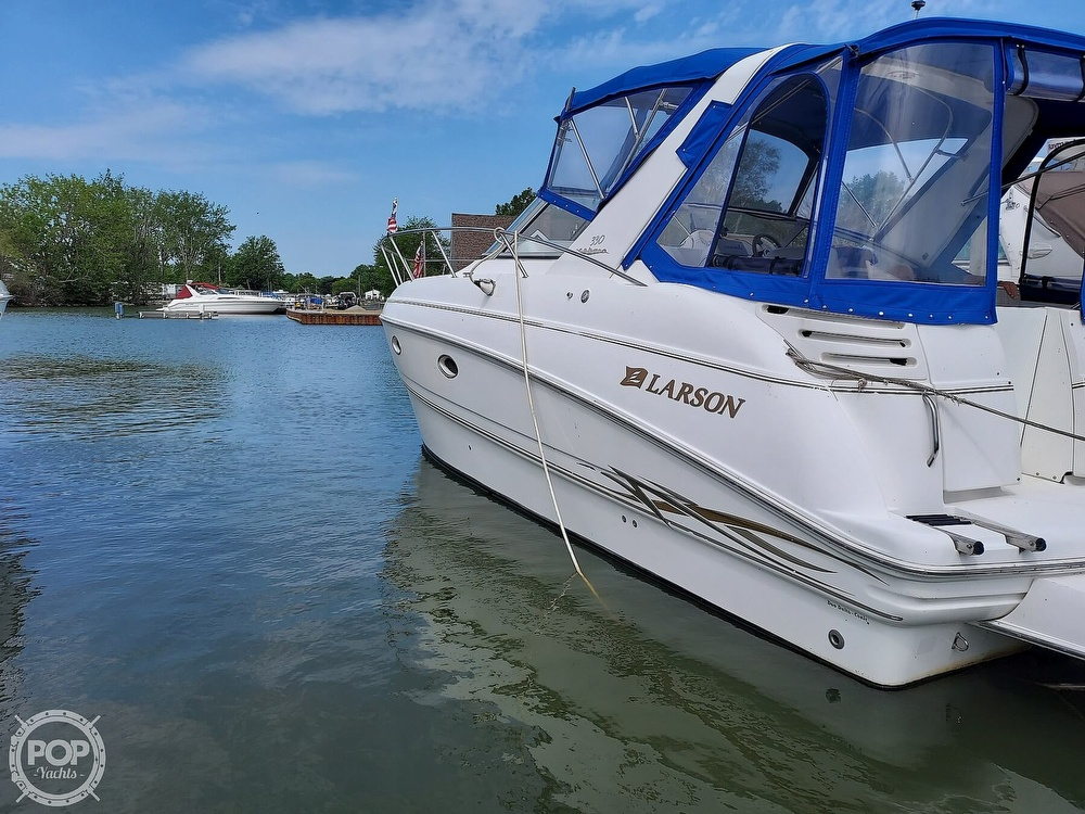 2000 Larson boat for sale, model of the boat is Cabrio 330 & Image # 11 of 40