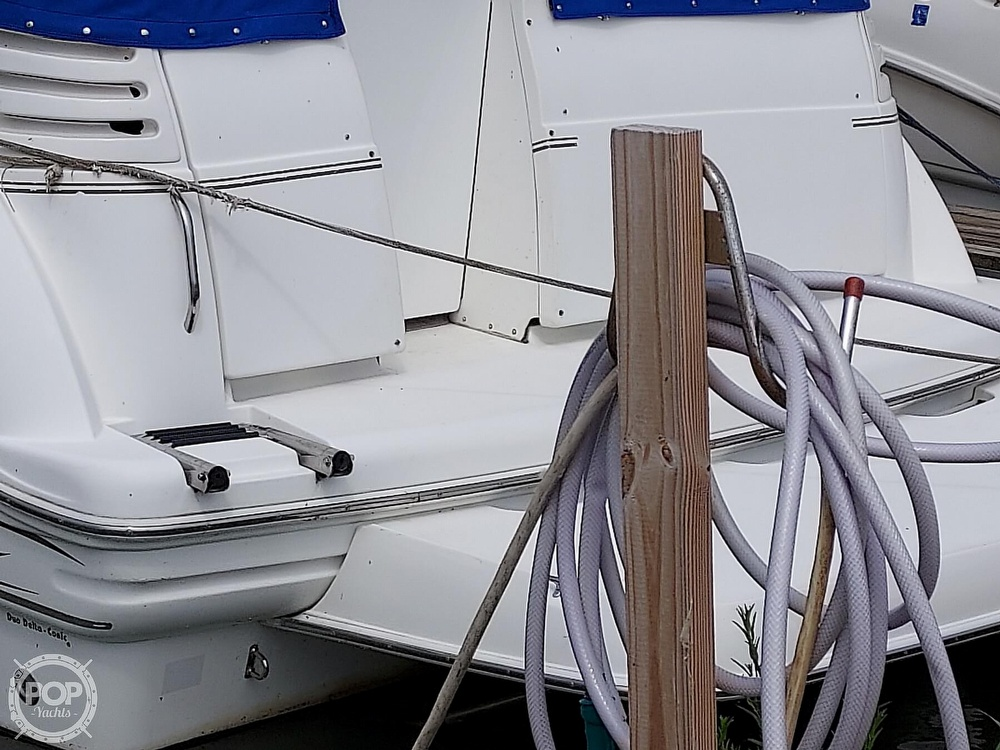 2000 Larson boat for sale, model of the boat is Cabrio 330 & Image # 16 of 40