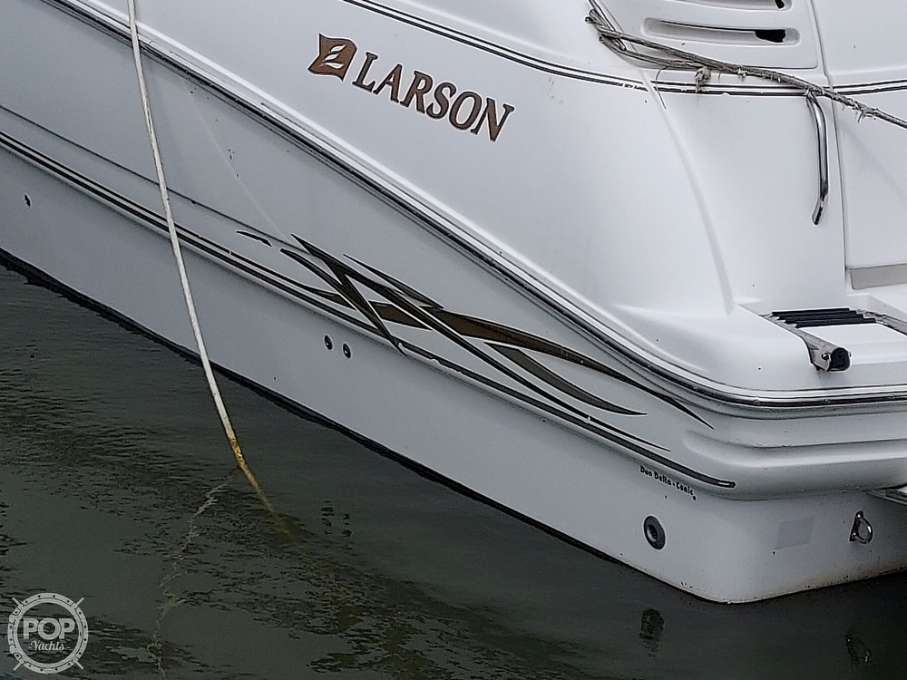 2000 Larson boat for sale, model of the boat is Cabrio 330 & Image # 17 of 40