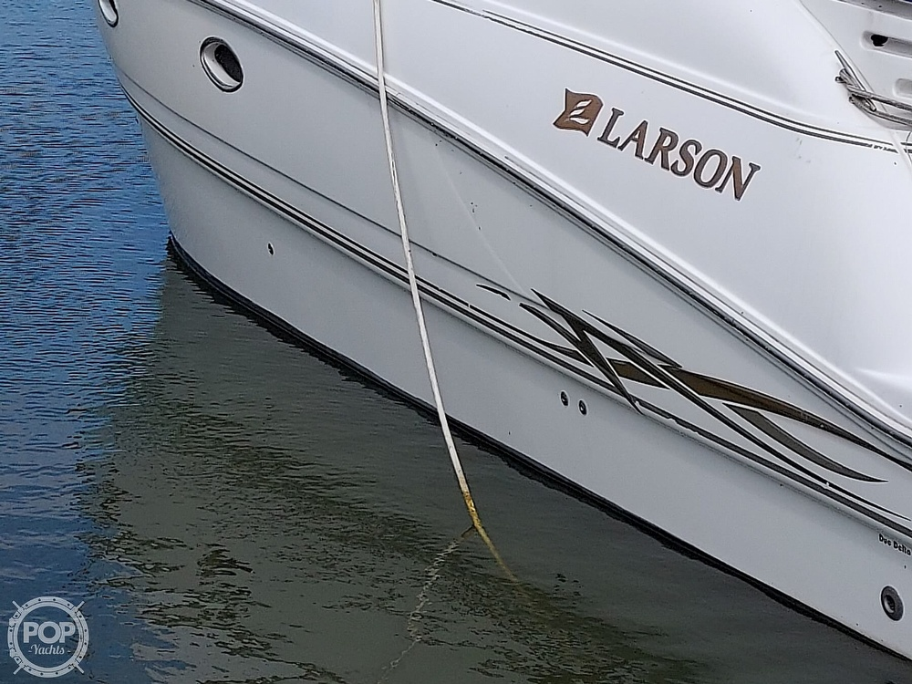 2000 Larson boat for sale, model of the boat is Cabrio 330 & Image # 28 of 40