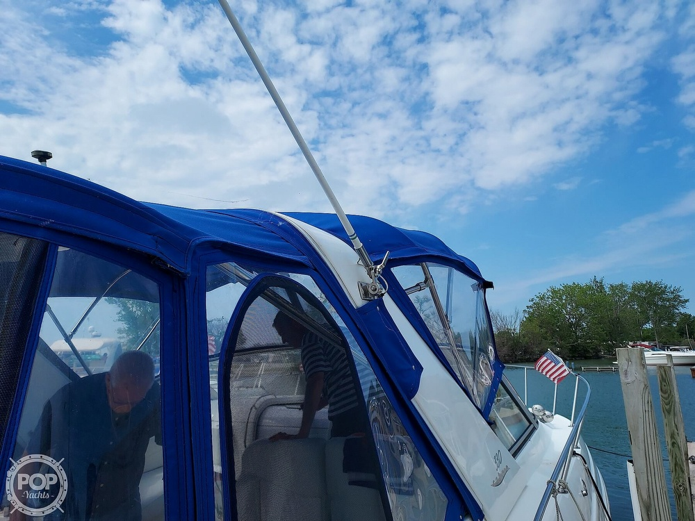 2000 Larson boat for sale, model of the boat is Cabrio 330 & Image # 29 of 40