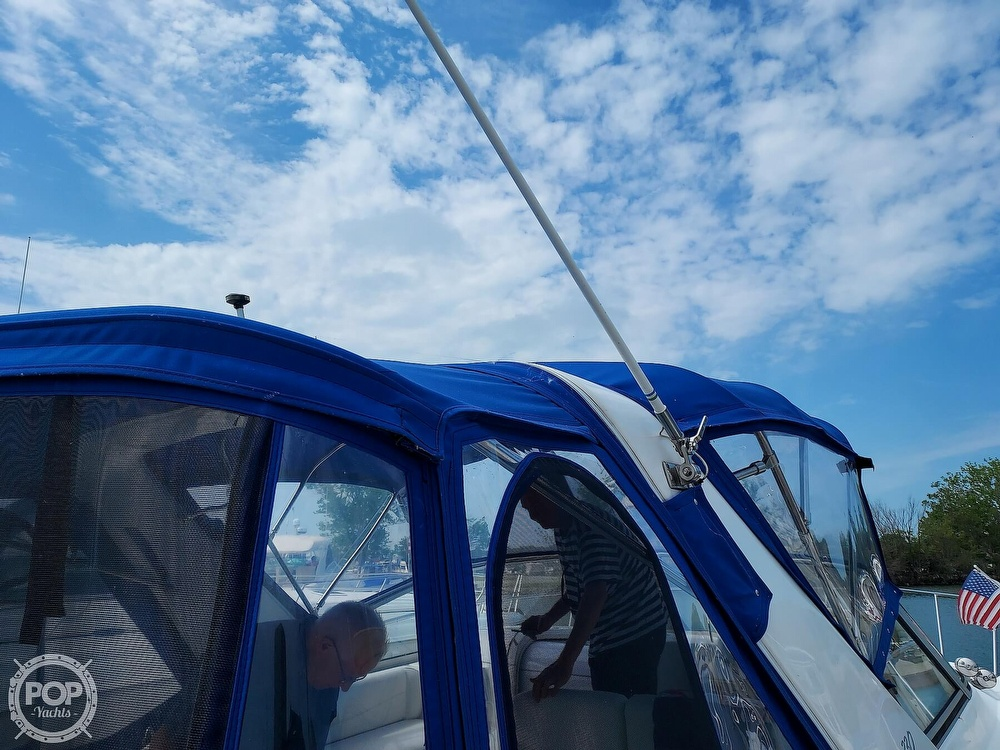 2000 Larson boat for sale, model of the boat is Cabrio 330 & Image # 31 of 40