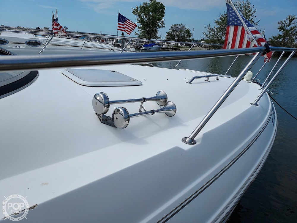 2000 Larson boat for sale, model of the boat is Cabrio 330 & Image # 36 of 40