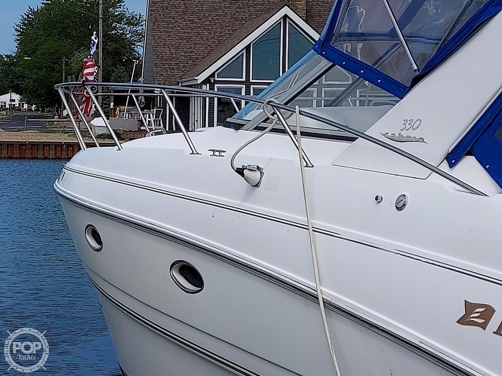 2000 Larson boat for sale, model of the boat is Cabrio 330 & Image # 40 of 40