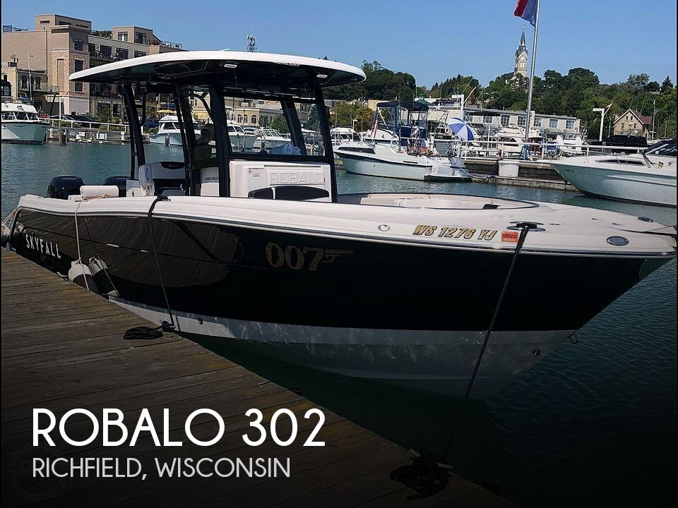 Used Boats For Sale in Milwaukee, Wisconsin by owner | 2018 Robalo 302