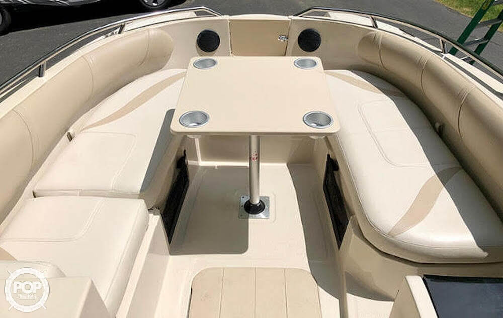 1999 Mariah boat for sale, model of the boat is Jubilee 214 & Image # 6 of 19