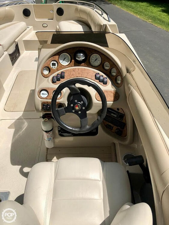 1999 Mariah boat for sale, model of the boat is Jubilee 214 & Image # 10 of 19