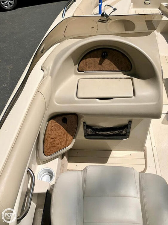 1999 Mariah boat for sale, model of the boat is Jubilee 214 & Image # 14 of 19