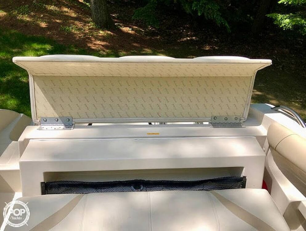 1999 Mariah boat for sale, model of the boat is Jubilee 214 & Image # 16 of 19