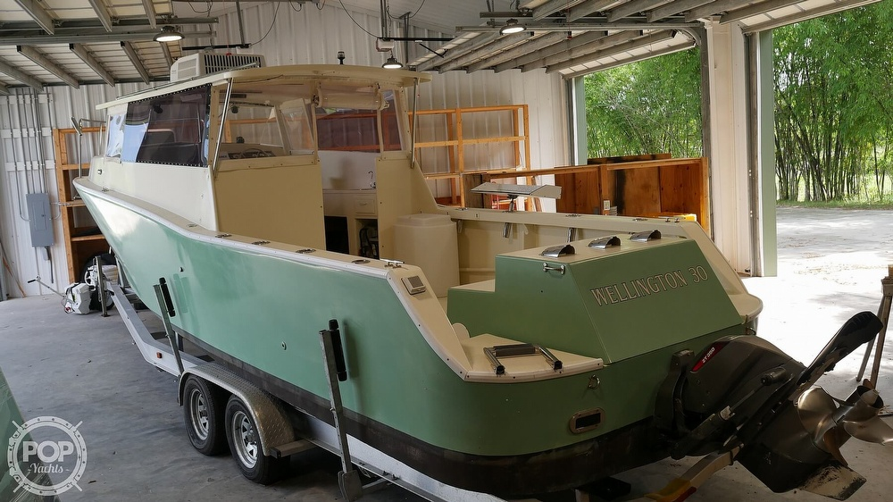 2014 Wellington boat for sale, model of the boat is 30 & Image # 3 of 40