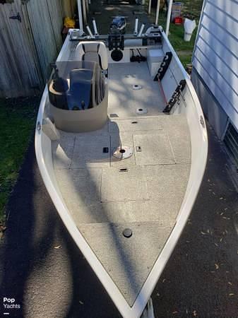 2012 Crestliner boat for sale, model of the boat is 18 Kodiak & Image # 12 of 40
