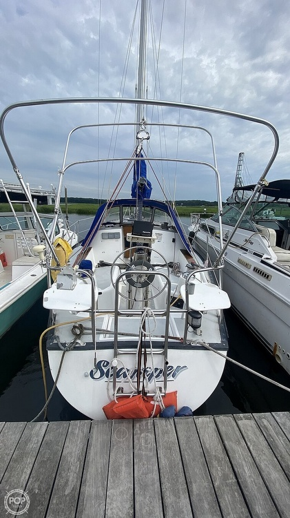 1982 Hunter boat for sale, model of the boat is 33 & Image # 8 of 40