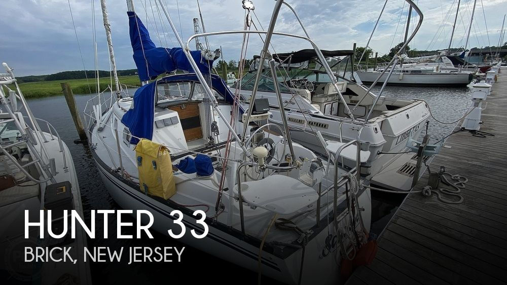 1982 Hunter boat for sale, model of the boat is 33 & Image # 1 of 40