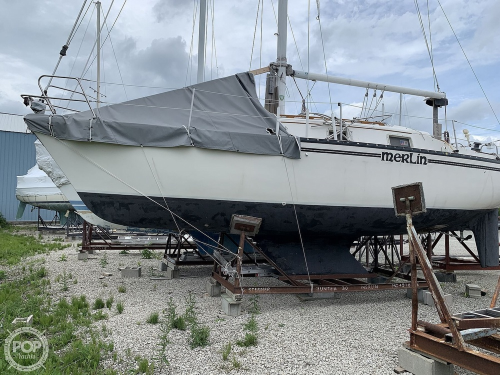 1980 Hunter boat for sale, model of the boat is 30 & Image # 4 of 40