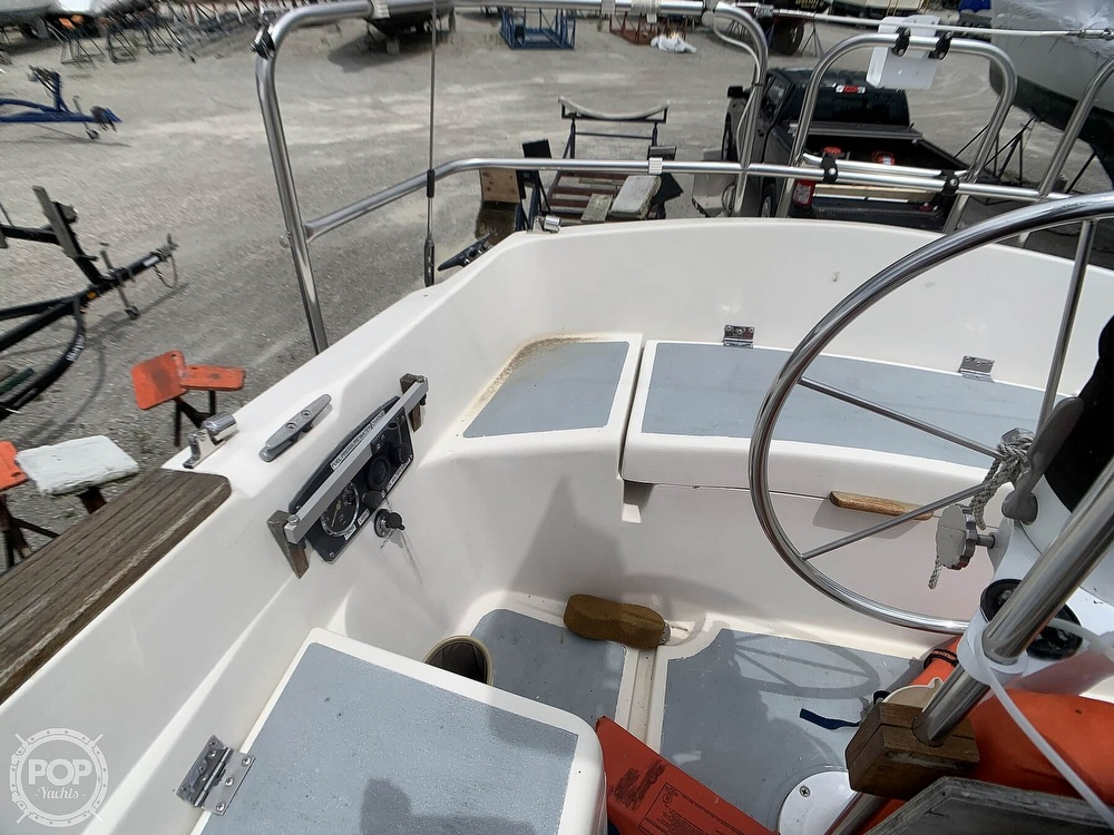 1980 Hunter boat for sale, model of the boat is 30 & Image # 23 of 40