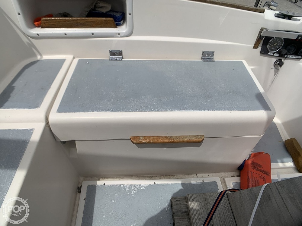 1980 Hunter boat for sale, model of the boat is 30 & Image # 25 of 40