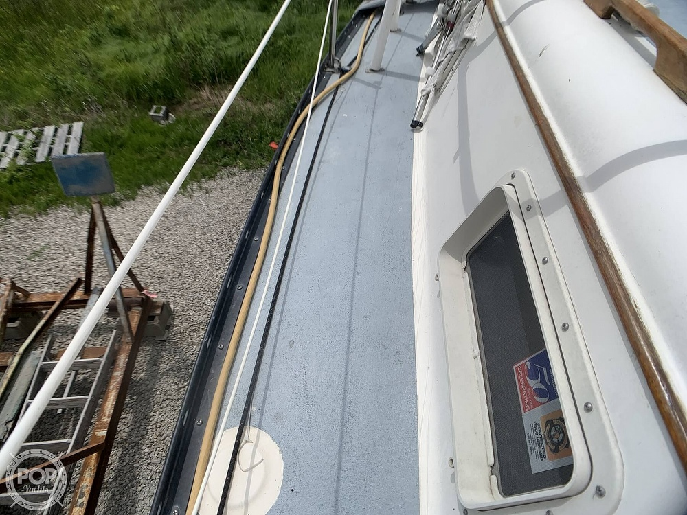 1980 Hunter boat for sale, model of the boat is 30 & Image # 40 of 40