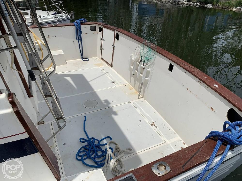 1987 Bayliner boat for sale, model of the boat is 3870 & Image # 17 of 40