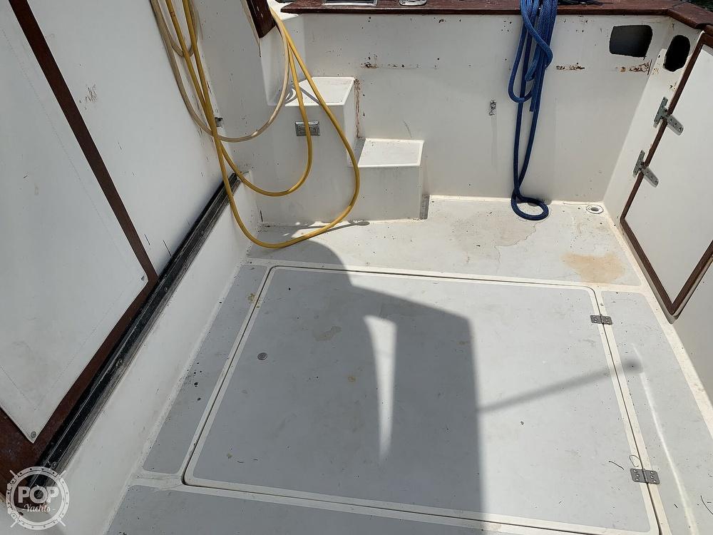 1987 Bayliner boat for sale, model of the boat is 3870 & Image # 23 of 40
