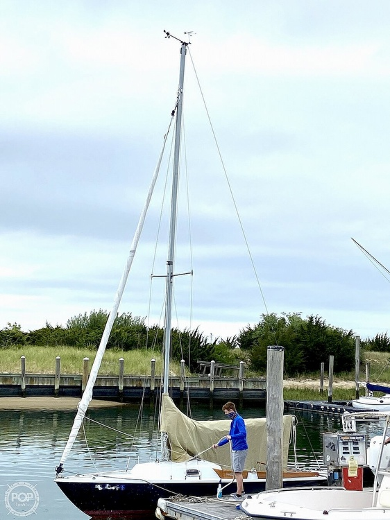 1982 Ensign boat for sale, model of the boat is 22 & Image # 4 of 8