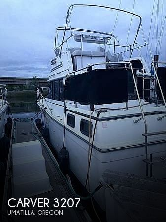 1983 Carver boat for sale, model of the boat is 3207 aft cabin & Image # 1 of 19