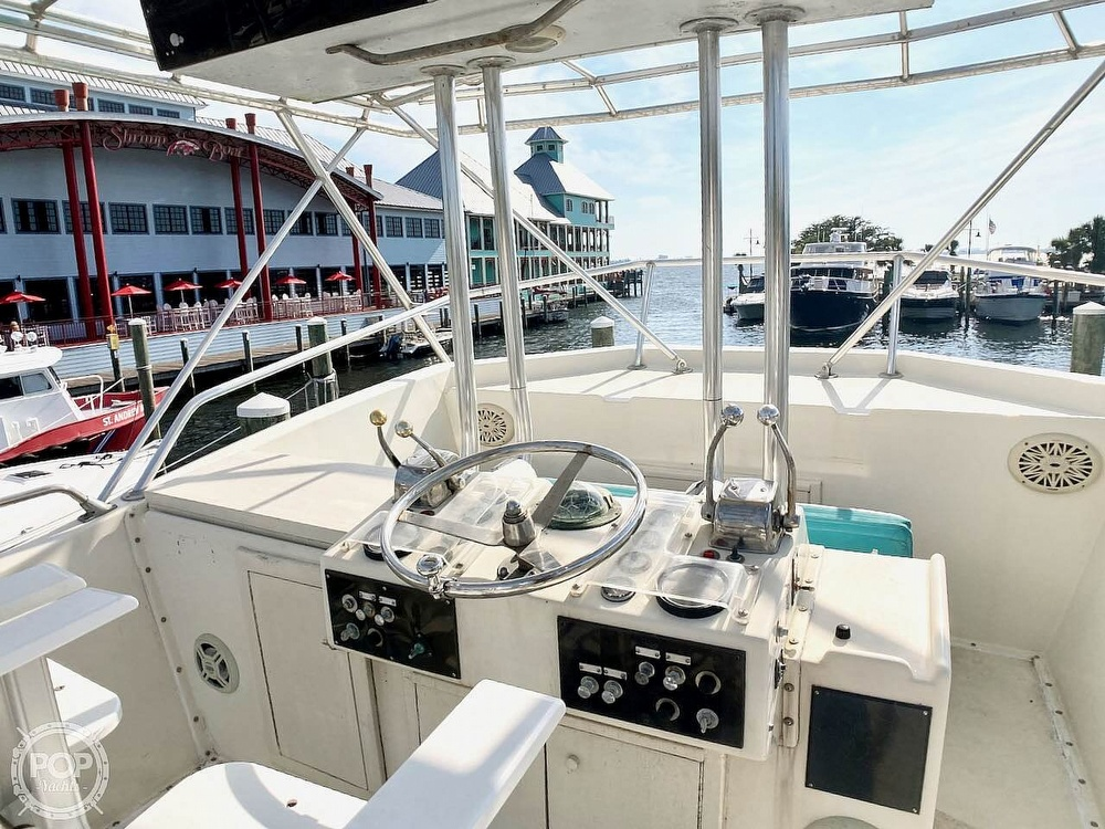 1974 Hatteras boat for sale, model of the boat is 53 Convertible & Image # 20 of 40
