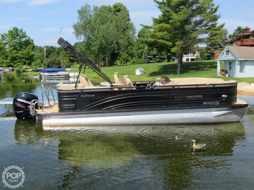 2018 Harris boat for sale, model of the boat is Solstice 240 & Image # 2 of 40