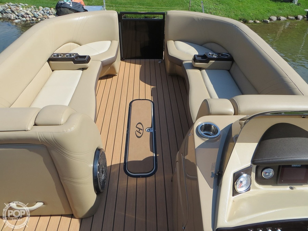 2018 Harris boat for sale, model of the boat is Solstice 240 & Image # 6 of 40