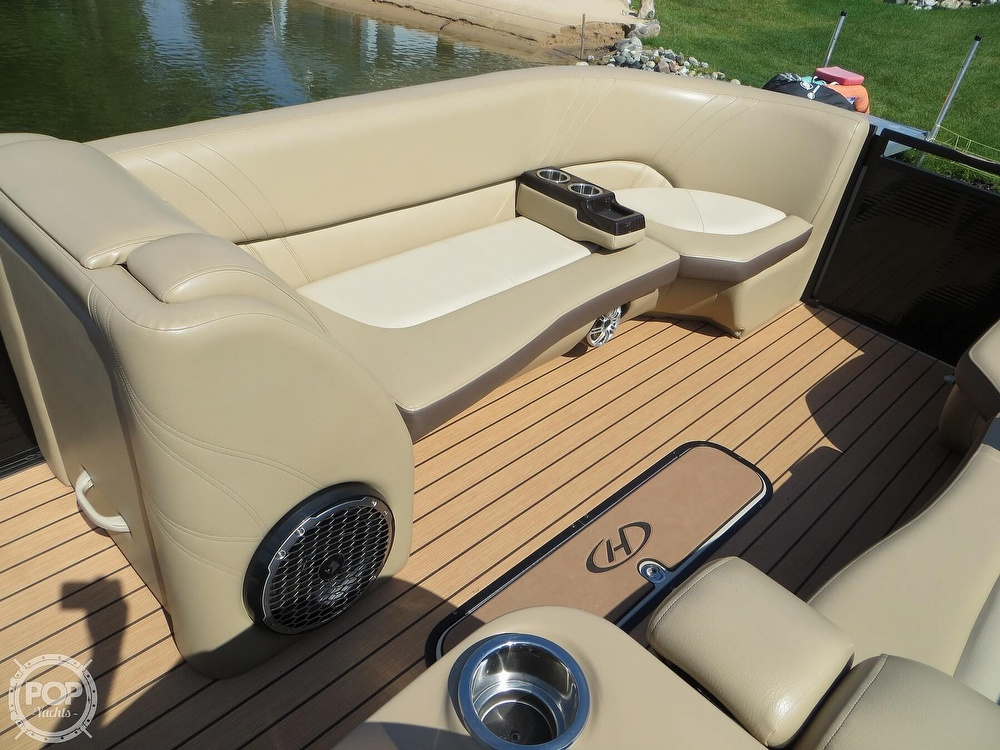 2018 Harris boat for sale, model of the boat is Solstice 240 & Image # 7 of 40