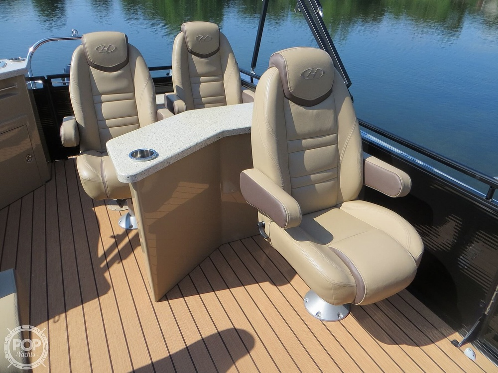 2018 Harris boat for sale, model of the boat is Solstice 240 & Image # 9 of 40