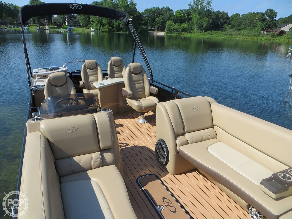 2018 Harris boat for sale, model of the boat is Solstice 240 & Image # 14 of 40