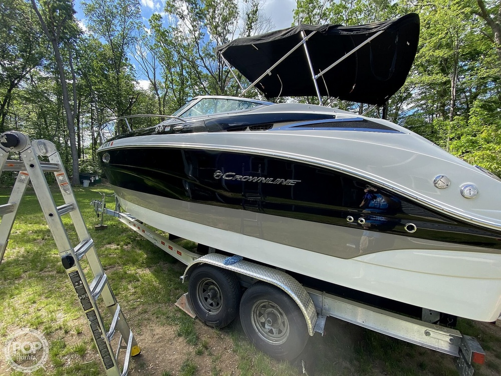 2018 Crownline boat for sale, model of the boat is 264CR & Image # 4 of 40