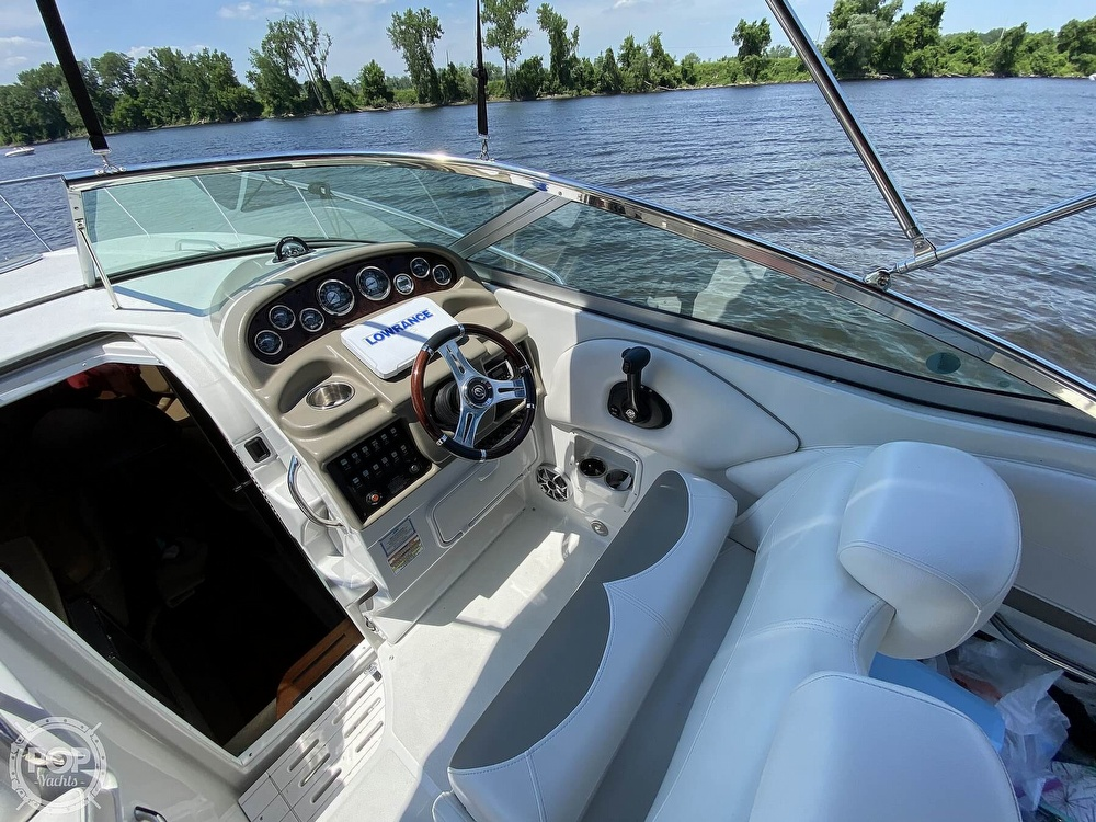 2018 Crownline boat for sale, model of the boat is 264CR & Image # 9 of 40