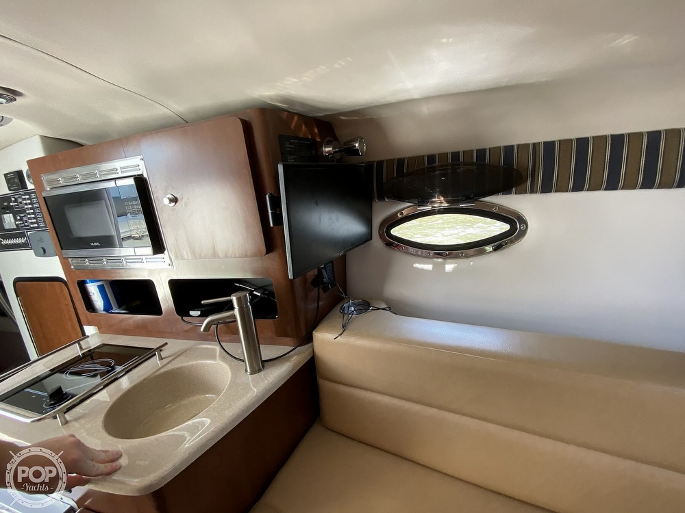 2018 Crownline boat for sale, model of the boat is 264CR & Image # 32 of 40
