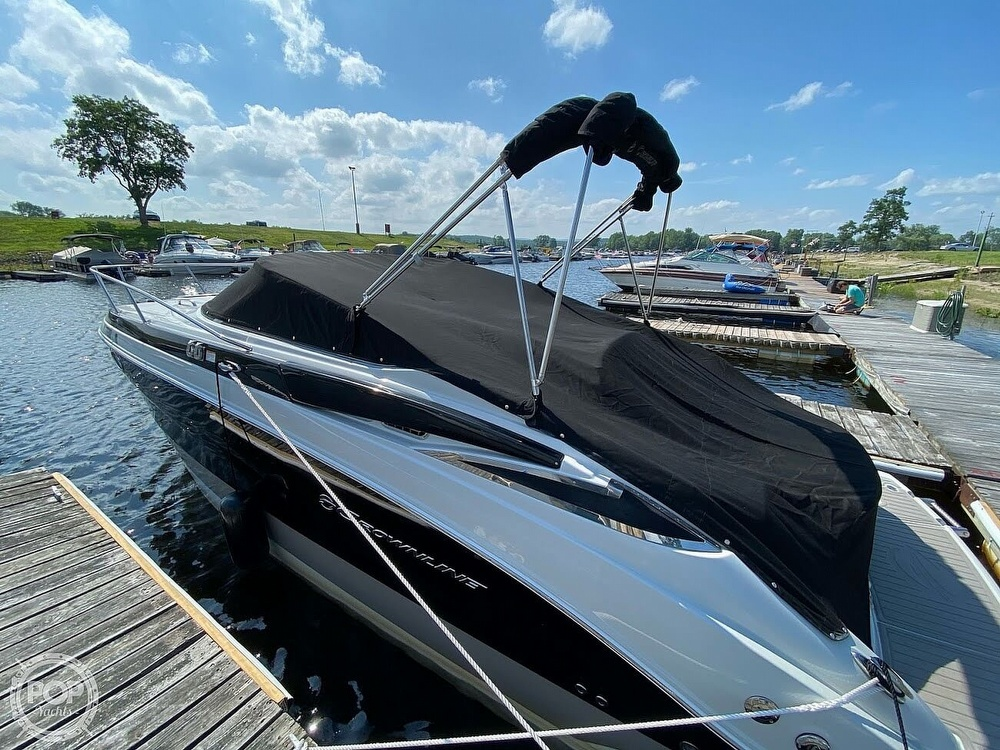 2018 Crownline boat for sale, model of the boat is 264CR & Image # 5 of 40