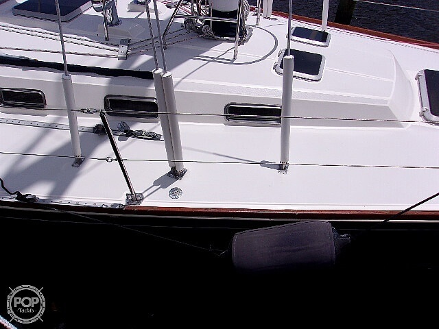 1987 Sabre boat for sale, model of the boat is 42 & Image # 25 of 40