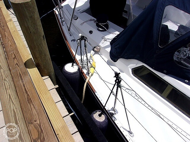1987 Sabre boat for sale, model of the boat is 42 & Image # 31 of 40