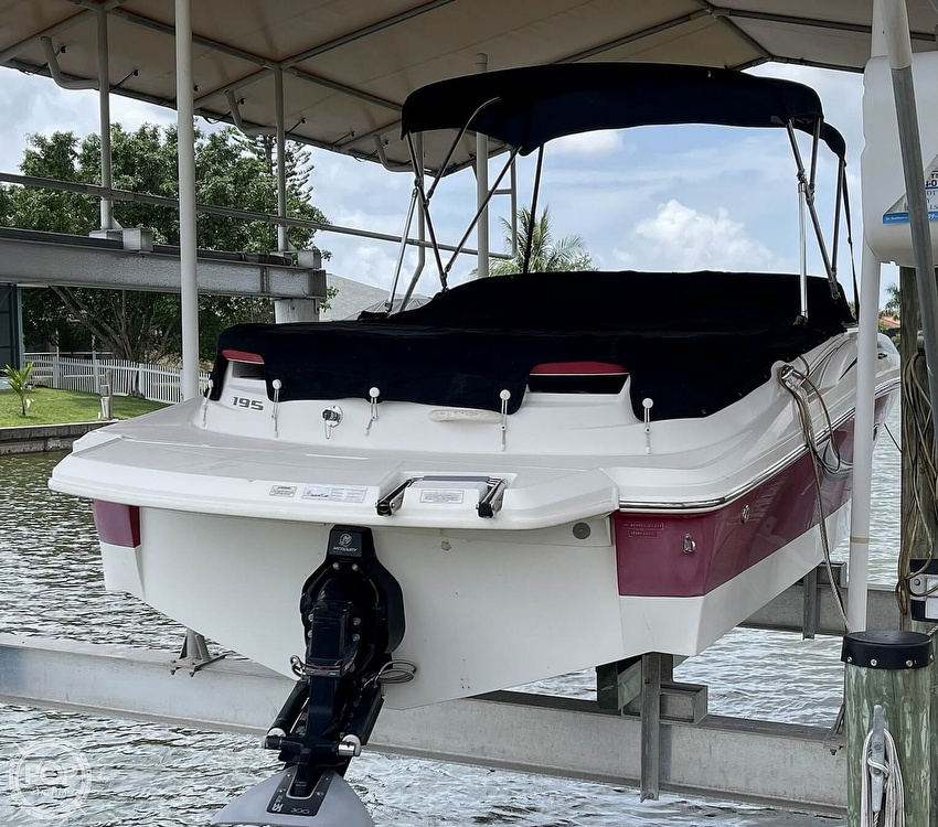 2011 Sea Ray boat for sale, model of the boat is 195 Sport & Image # 12 of 40