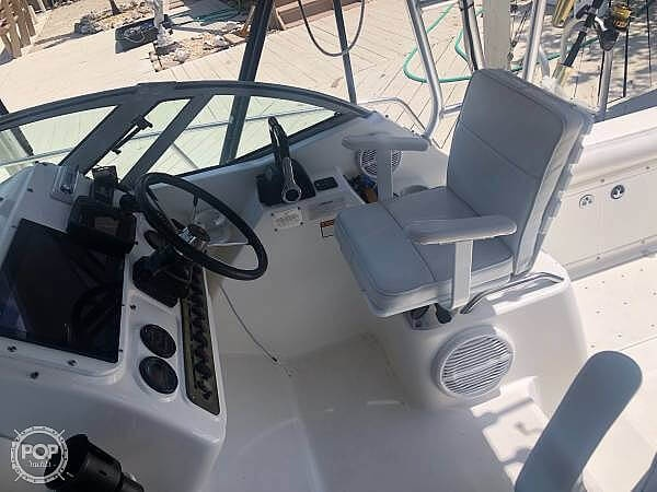 2000 Century boat for sale, model of the boat is 3200 & Image # 6 of 40