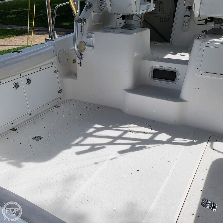 2000 Century boat for sale, model of the boat is 3200 & Image # 11 of 40