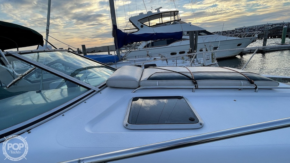 1996 Chaparral boat for sale, model of the boat is 31 Signature & Image # 33 of 40