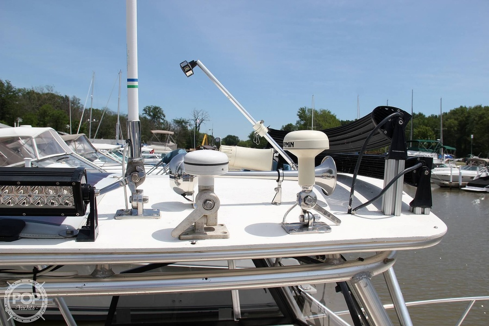 1999 World Cat boat for sale, model of the boat is 266SC & Image # 16 of 40
